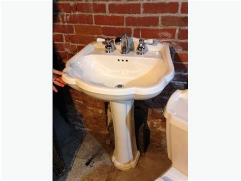 Matching Toilet And Pedestal Sink american standard pedestal sink and matching toilet oak bay
