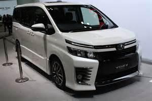 Toyota Foxy Toyota Voxy Indian Autos