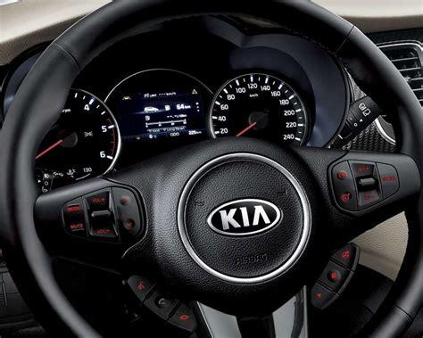 kia carens al volante kia carens 2016 foto allaguida