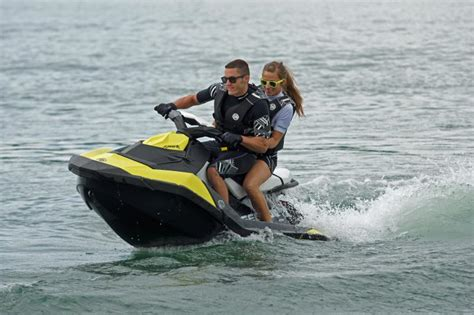 seadoo boat tricks gama 2014 sea doo una nueva chispa de diversi 243 n quad jet
