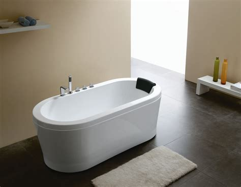 contemporary bathtubs nazzano acrylic modern bathtub 63 quot