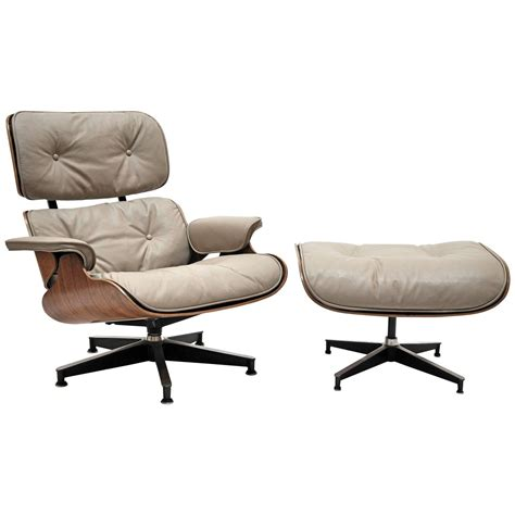 Lounge Chair Ottoman Eames Lounge Chair And Ottoman Herman Miller At 1stdibs