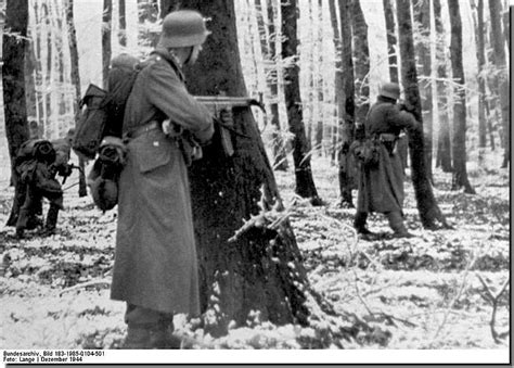 ww2 german soldiers fighting illustrated history relive the times images of war