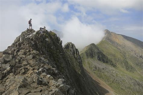 explore walk snap mount snowdon walk via crib goch