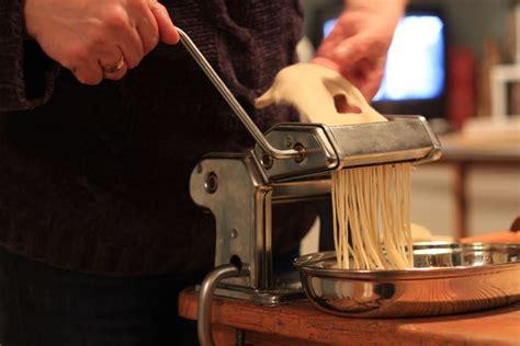 macchina per fare la pasta in casa elettrica macchine per la pasta fatta in casa robot per cucina