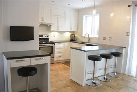 cuisine armoires blanches fexa r 233 novation de salle de bain armoire de cuisine et