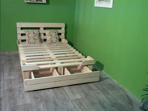 How To Make A Platform Bed Using Pallets by Pallet Platform Bed With Storage 99 Pallets