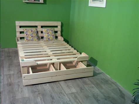 Diy Platform Bed Made From Pallets Pallet Platform Bed With Storage 99 Pallets