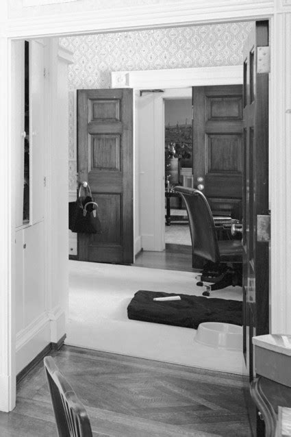 Beauty Salon - White House Museum