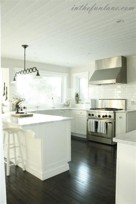 martha stewart kitchen island the martha stewart ox hill cabinetry looks gorgeous in
