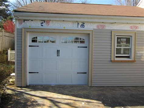 Cascade Garage Door by House Styles Carriage House And Garage Doors On