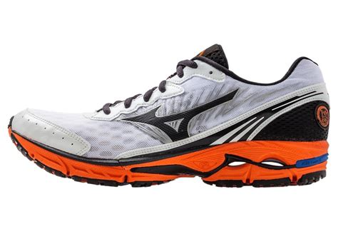 mizuno s wave rider 16 running shoe s mizuno wave rider 16 running shoes white black