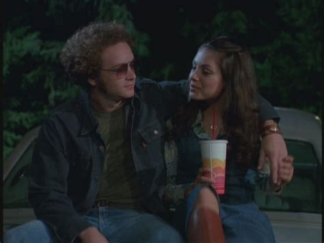 jackie and mila kunis in that 70 s show jackie bags hyde 3 08