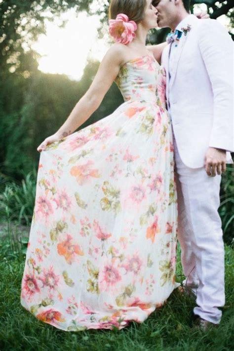extravagante bruidsjurk gekleurd met bloemen des robes de mari 233 es color 233 es