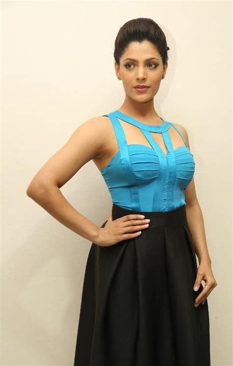 saiyami kher hd photos in blue top black skirt