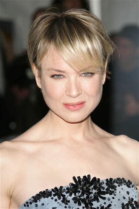 renee zellweger best beauty short and slightly disheveled hair on the brain 187 renee s top hairstyles