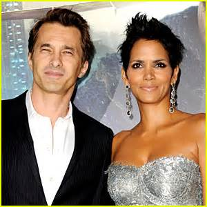 it s a boy halle berry gives birth at 47 years old halle berry gives birth to baby boy with olivier martinez