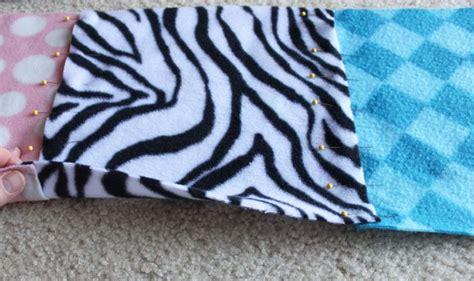 Selimut S Fleece how to make fleece blankets from scraps scrap how to make and fleece blankets