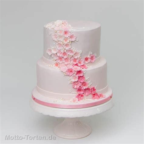 Hochzeitstorte Blumen by Zweist 246 Ckige Konfirmationstorte Mit Blumen Motto Torten De