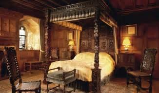 castle bedrooms anne boleyn s bedroom and prayer books hever castle