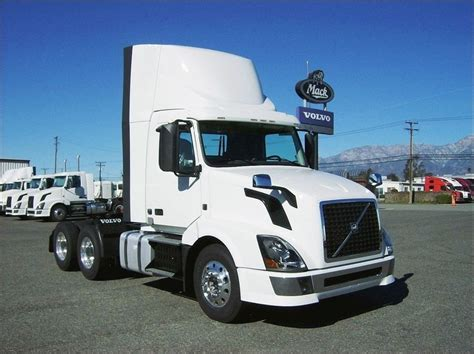 all volvo truck models 60 best images about bobtail trucks on