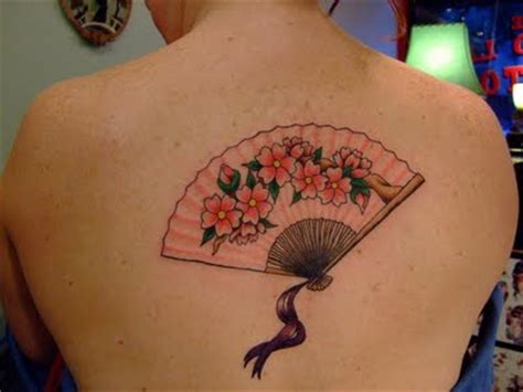 japanese fan tattoo designs feminine back of a geisha s fan the flowers