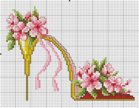 scarpe con fiori scarpa con fiori schema punto croce 2 magiedifilo it