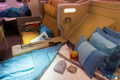 in flight review singapore airlines business class