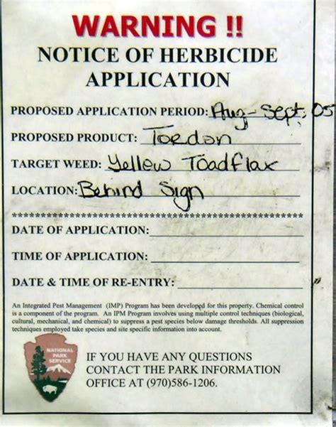 Spraying Sign   Rocky Mountain National Park (U.S