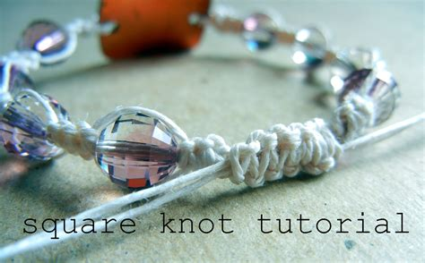 Macrame Bracelet Tutorials - square knot bracelet with tutorial images