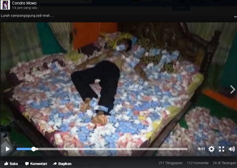 Kasur Spon Di Mojokerto viral pria diduga kades di mojokerto tidur di kasur