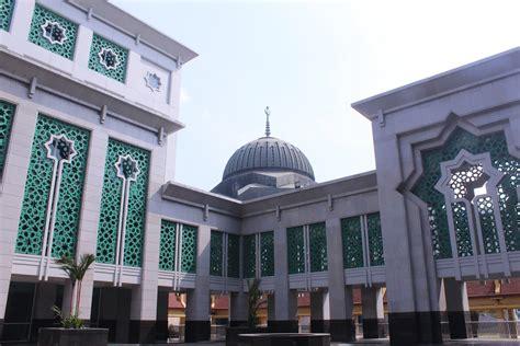 Buku Manajemen Itb Ali Basjah dari kramat tunggak berdiri islamic center yang megah