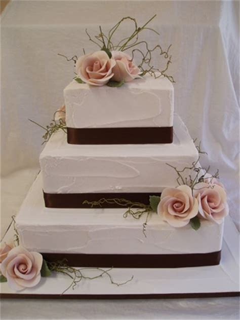Hochzeitstorte Quadratisch Modern by Modern Square 3 Tier Swiss Buttercream Cake From