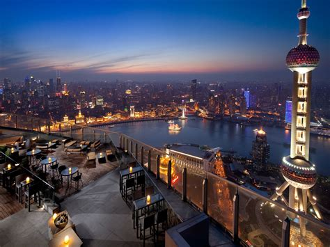 top of the world bar top 10 rooftop bars in the world 28 images the 10 best rooftop bars in the world