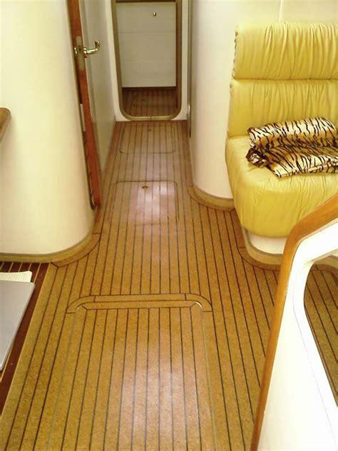 Luxury Cabin Cruiser with New Cork Sole   SeaCork