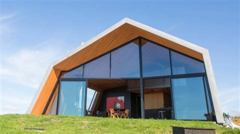 Grand Designs steel house throws away the rule book