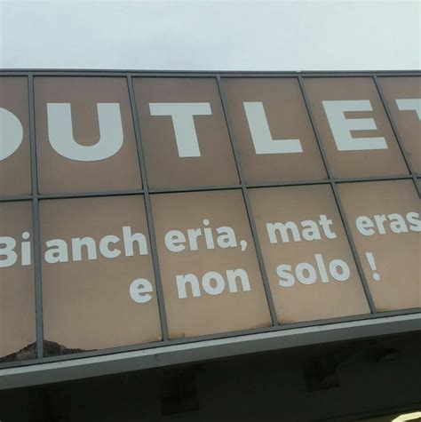 tappeti outlet outlet tappeti e materassi home