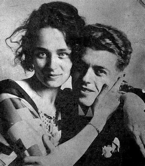 Résumé 8 Femmes by Pinturamadrid Rene Magritte Georgette Con Boliche 1929