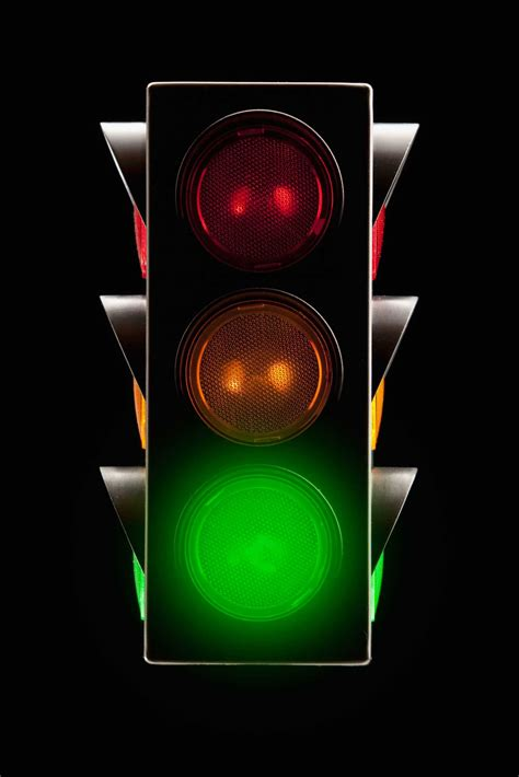 traffic light how smart traffic lights could transform your commute time