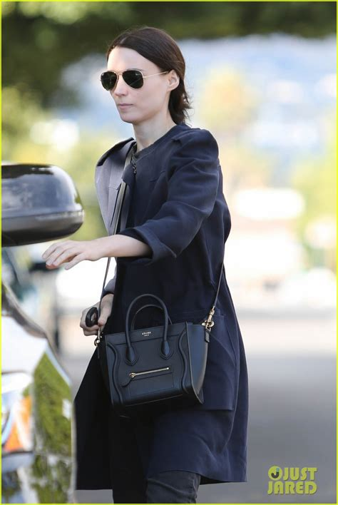 rooney mara girl with dragon tattoo rooney mara reveals with the sequel