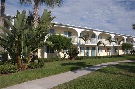 Snell Isle Luxury Waterfront Apartment Homes Snell Isle Luxury Waterfront Apartments 1515 Isle Blvd St Petersburg Fl Rentcaf 233