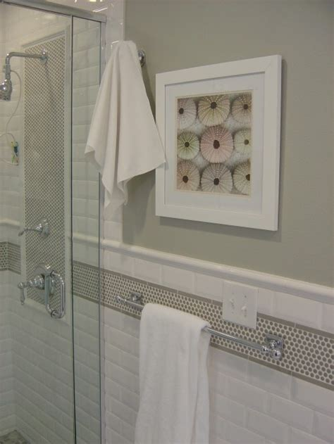 bathroom wall tile border ideas pin by michelle russell forst on traditional bathrooms
