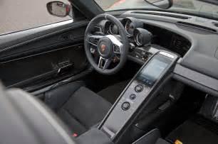 Porsche 918 Interior The Hypercar Blueprint Photo Gallery Motor Trend