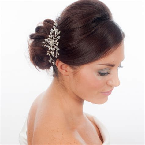 Wedding Hair Accessories Flowers Uk by Summer Wedding Hair Accessory Ideas For You Bridaltweet