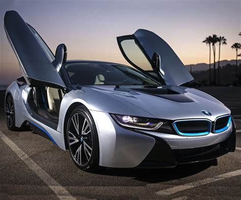 car bmw 2017 2017 bmw i8 has supercar performance with family car
