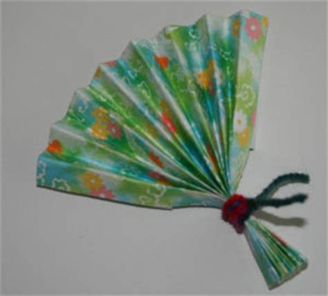 Japanese Paper Fan Craft - 4 new year arts crafts