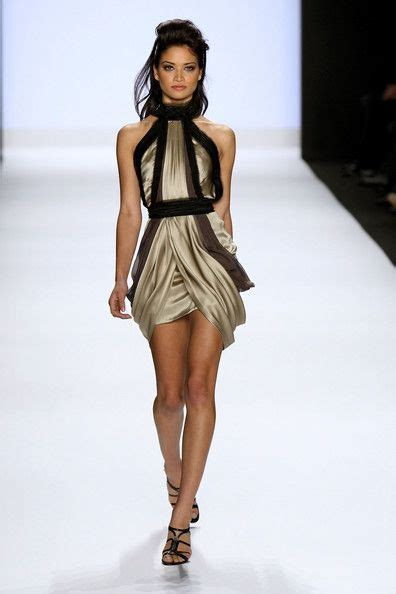 Golden Modeling In Project Runway Show At Fashion Week best 25 runway models ideas on runway runway
