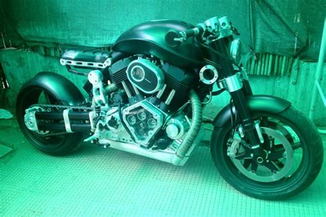 hellcat x132 dhoni arvind s ms dhoni s unusual bike