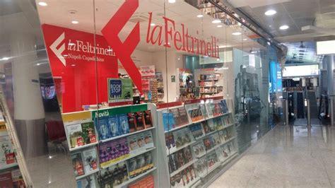 libreria feltrinelli napoli apre la libreria feltrinelli all aeroporto di capodichino