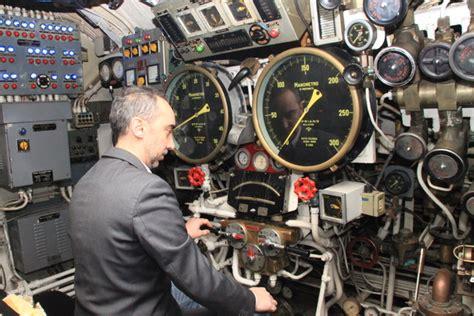 interno di un sommergibile enrico toti viaggio nella pancia sottomarino